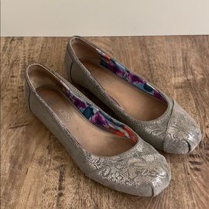 BOBS silver filigree Grey leather ballet flats